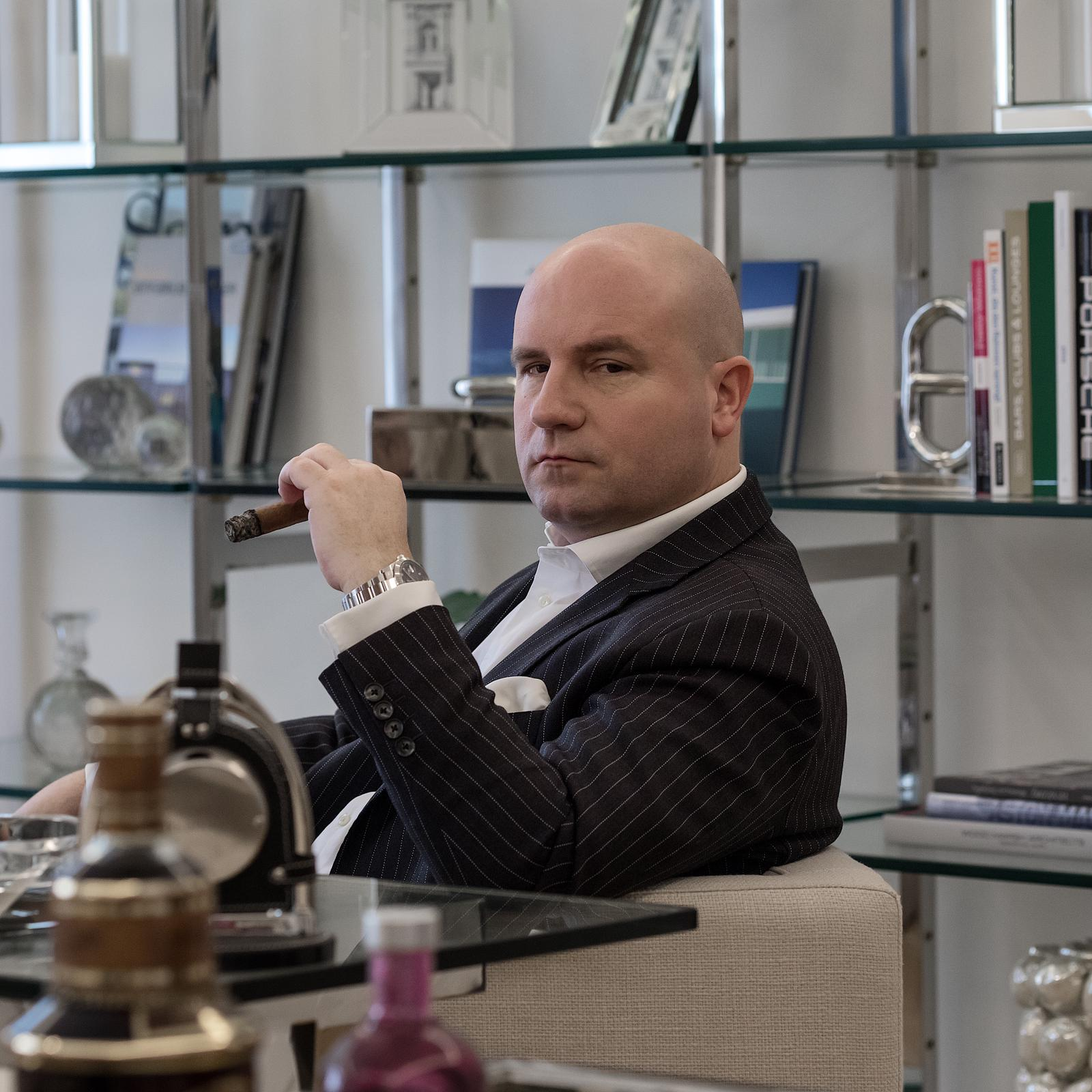 Dr. Florian Koschat